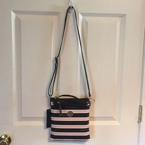 Tommy Hilfiger Crossbody With Pouch Black & Pink